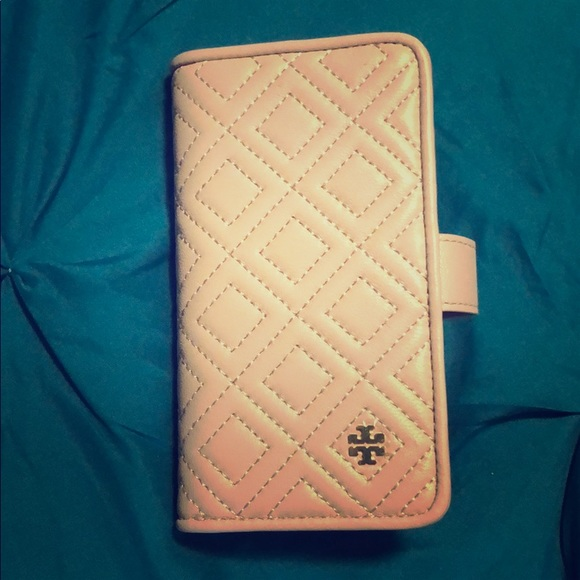 new concept 66945 ea03f Tory Burch iPhone 8 case and wallet